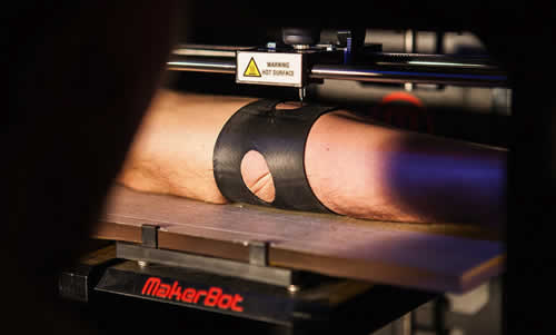 A Robotic Tattoo Machine Made From A 3D Printer