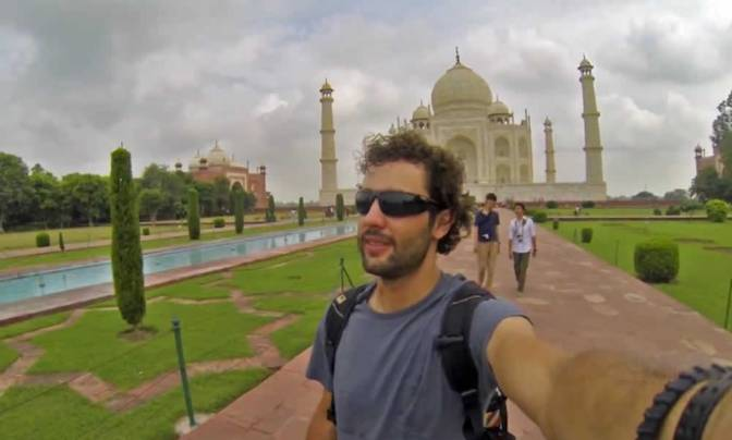 Viral Video: Around the World in 360° Selfies