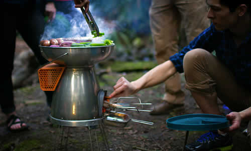 Turn Fire Into Electricity With The BioLite BaseCamp Stove